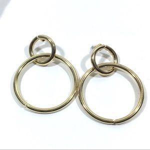 Jewelry - Loops Earrings